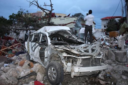 ソマリア首都ホテルで自爆攻撃、中国人ら13人死亡