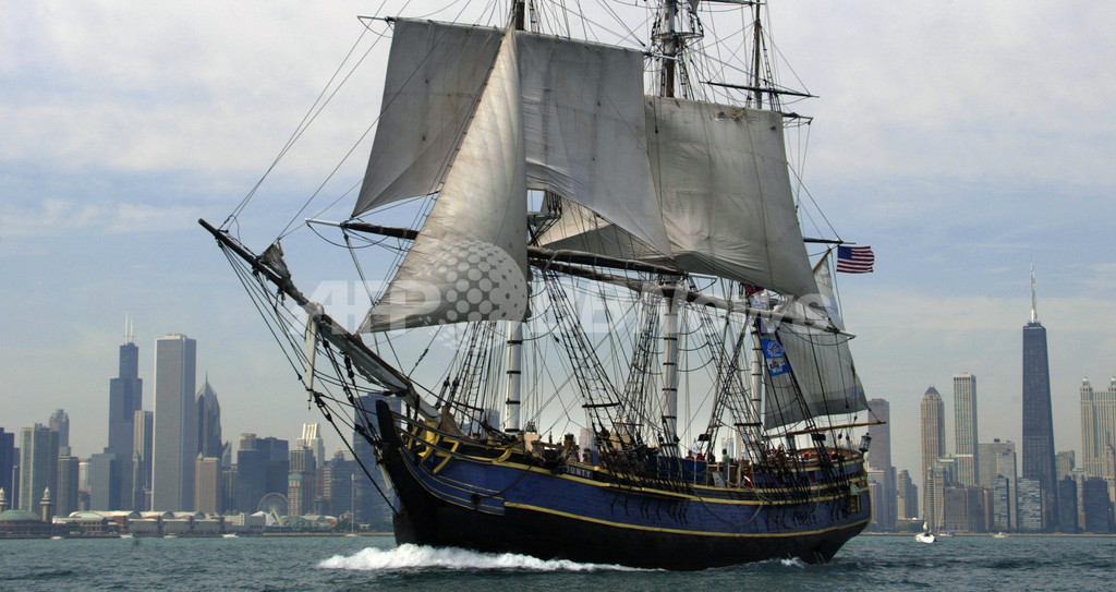 帆船「バウンティ号」がハリケーンで沈没、15人救助 1人不明