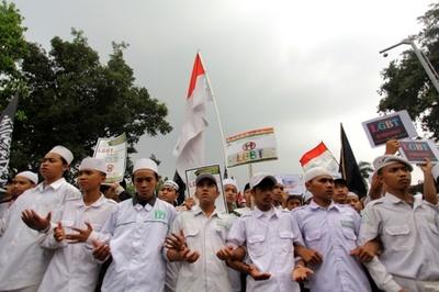 インドネシアで吹き荒れる「モラルパニック」 標的はLGBT