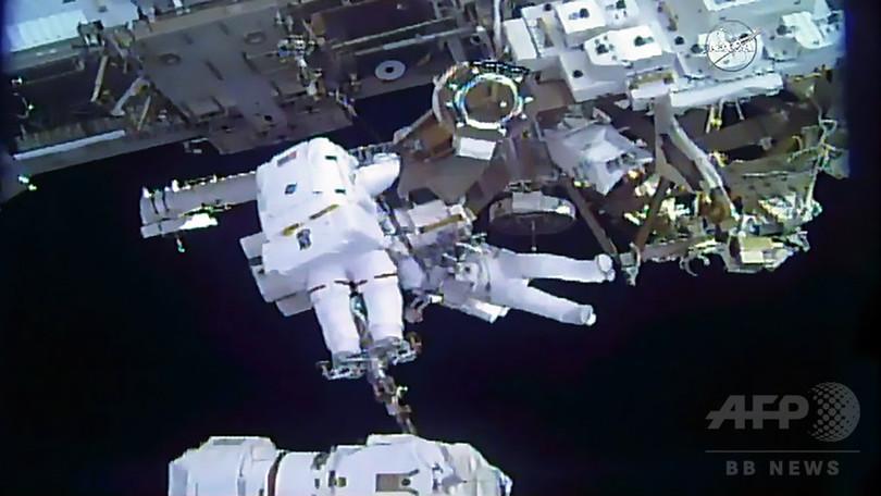 金井飛行士、ISSで自身初の船外活動 5時間超