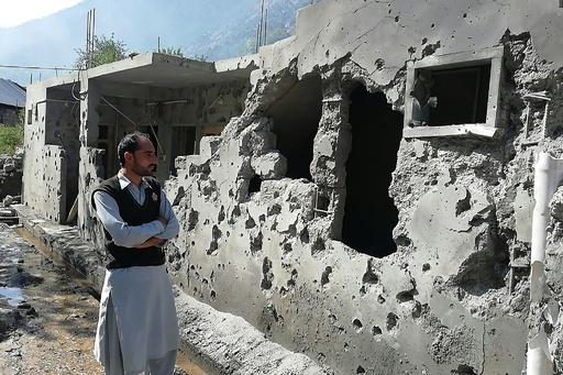 カシミール国境で砲撃、民間人含む10人死亡 印パは互いを非難