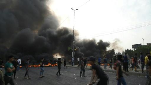 動画:イラク大規模デモ3日目、死者30人に 外出禁止令も