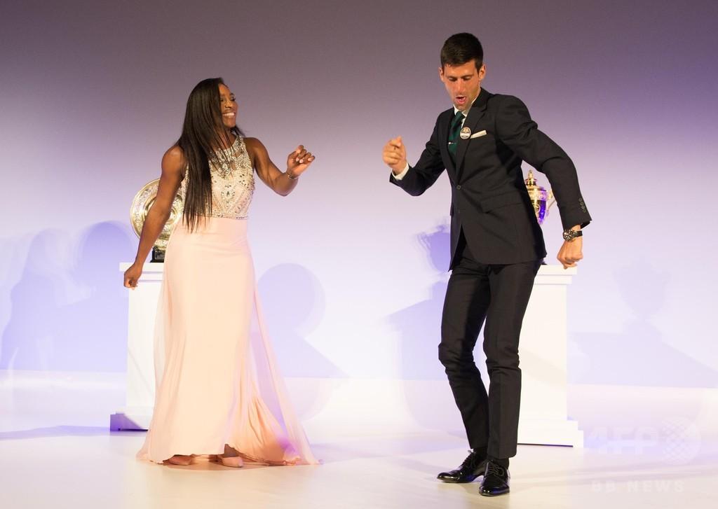 ジョコビッチとセレーナがダンスを披露!ウィンブルドン祝賀会で