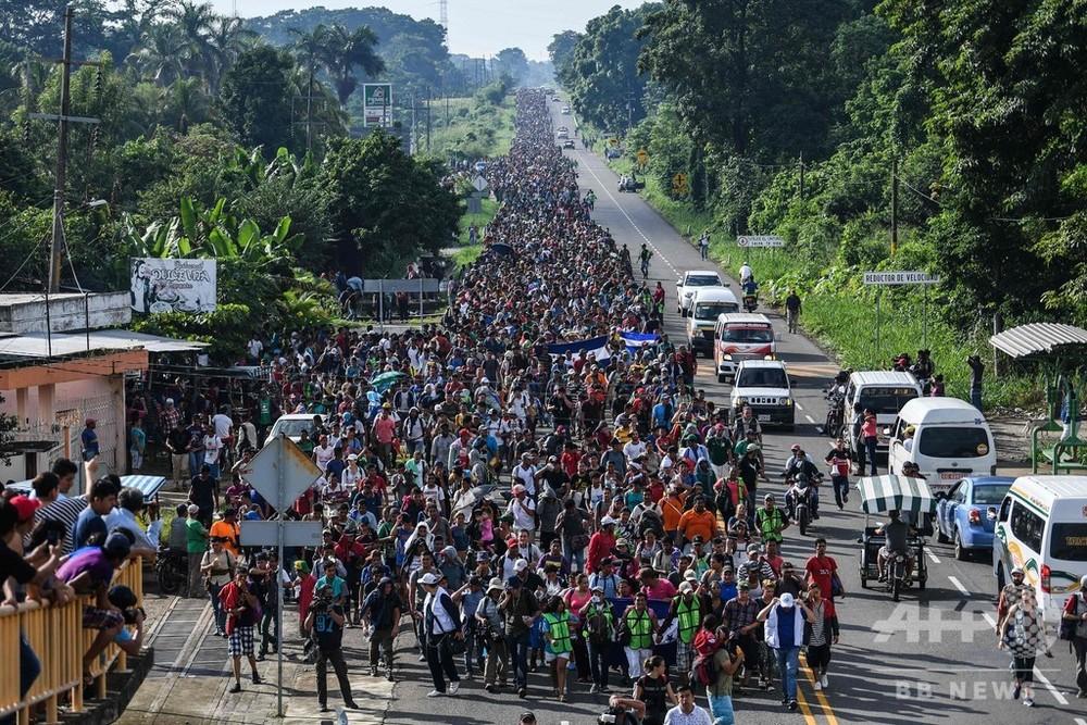 ホンジュラス移民、「全力」で米入国阻止 トランプ氏警告