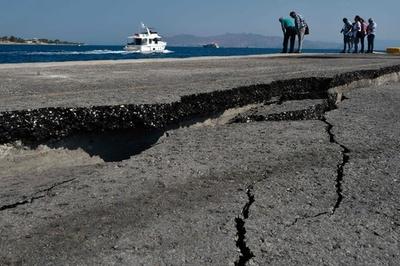 エーゲ海地震、リゾート地の観光業に打撃 ギリシャ