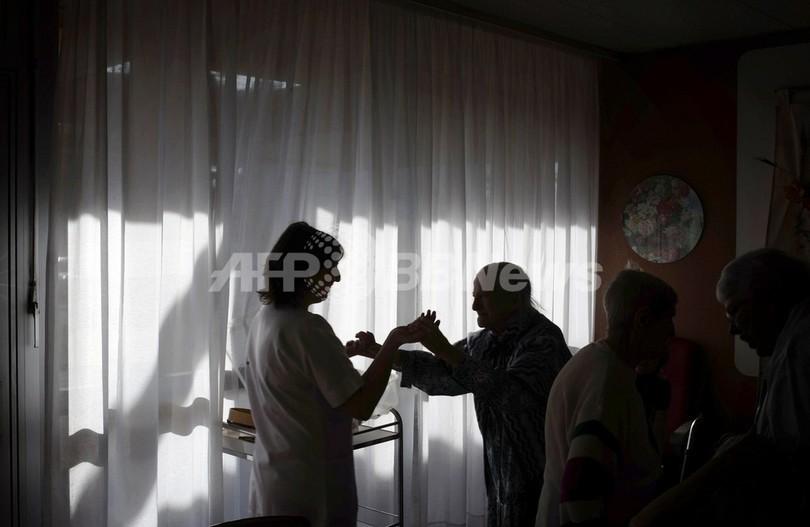 アルツハイマー病が世界経済危機をもたらす、米専門家らが警告