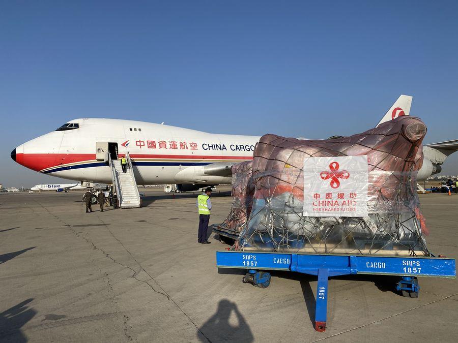 中国が提供したバッタ防除製品の第1便 パキスタンに到着