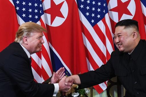 トランプ大統領、金委員長から親書 3回目の米朝首脳会談に前向き
