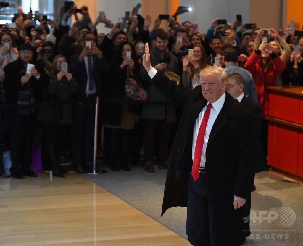 トランプ次期米大統領、票の再集計は「ペテン」