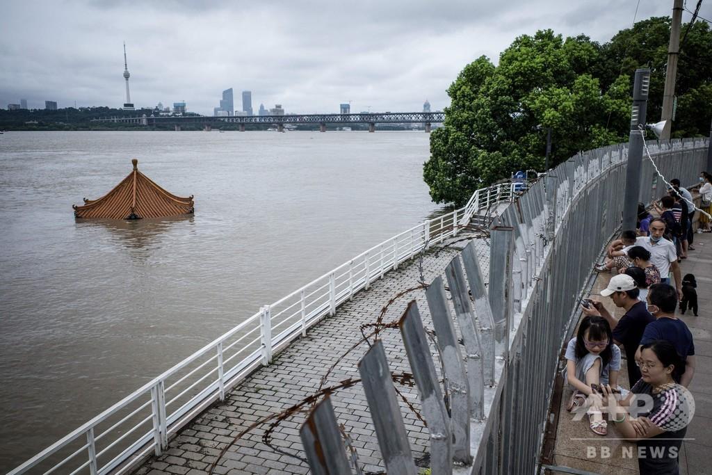 中国各地で洪水、長江の記録的な水位上昇で武漢も警戒