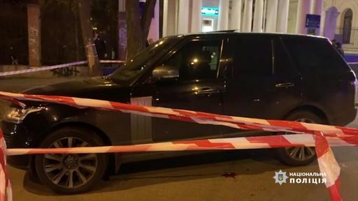 動画:ウクライナ議員狙った銃撃で3歳息子死亡、10代の容疑者2人拘束