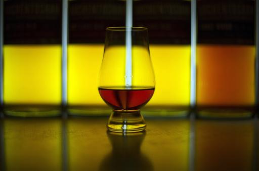 メタノール混入酒による中毒相次ぐ、19人死亡 中米コスタリカ