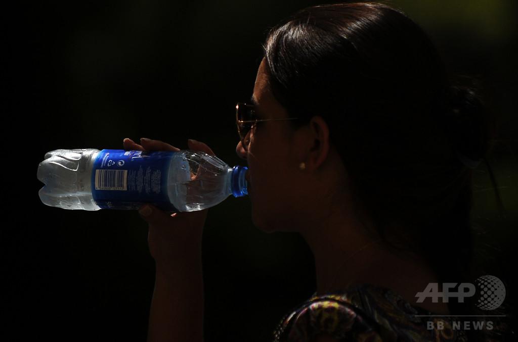ボトル入り飲料水に糞便物質、4000人以上ノロウイルス感染 スペイン