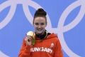 女子100m平泳ぎでキングが金、ドーピング問題で注目の露選手が銀