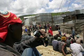 金鉱作業員5人、41日ぶりに生還 タンザニア