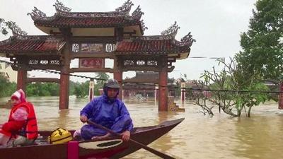 動画:ベトナム、台風で死者49人に 世界遺産の古都でも洪水被害