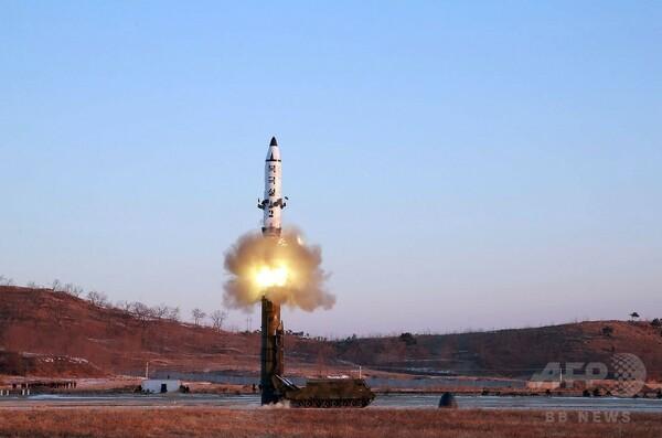 北朝鮮「新型弾道ミサイル試射に成功」 安保理、あす緊急会合へ