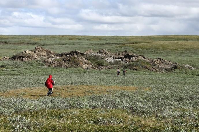 シベリアに謎の巨大穴が出現