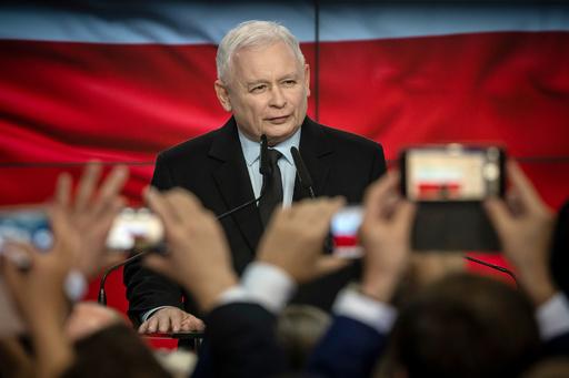 ポーランド総選挙、右派与党が勝利 絶対多数を確保
