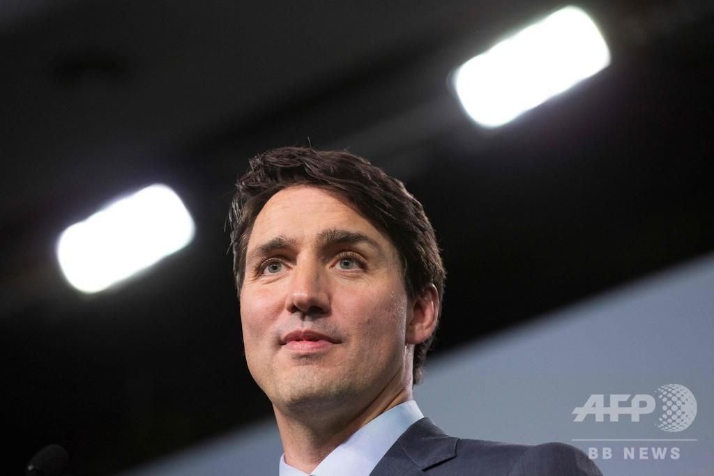 カナダ首相、日本の商業捕鯨再開に異議 安倍首相との電話会談で