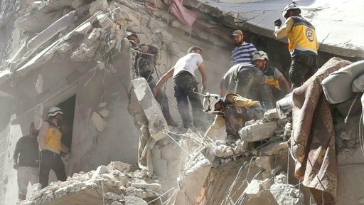 動画:シリア政府軍攻撃で民間人18人死亡、イドリブ県