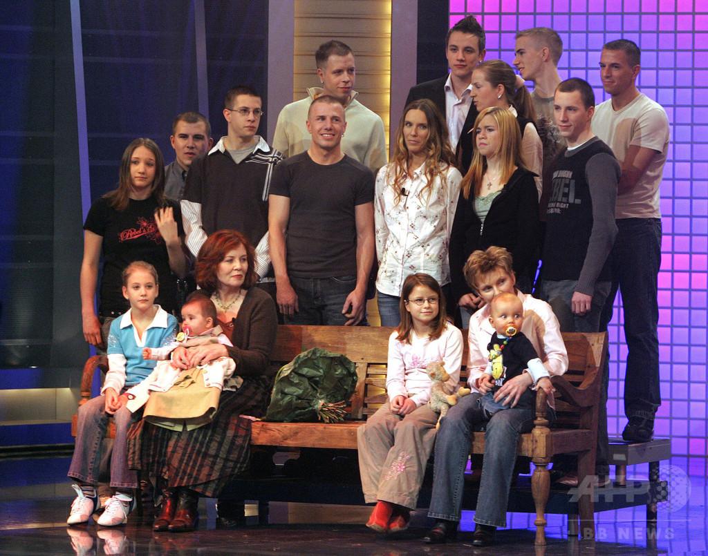 65歳女性が出産した四つ子、深刻な健康状態 独ベルリン