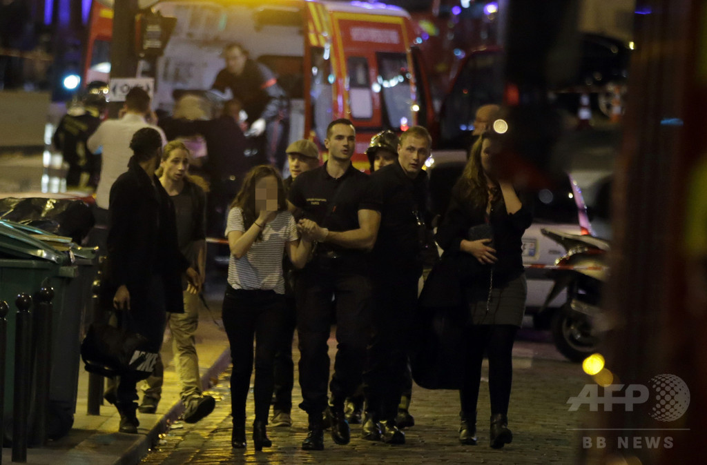 【AFP記者コラム】真実・半真実・デマ、パリ同時テロ後のSNS