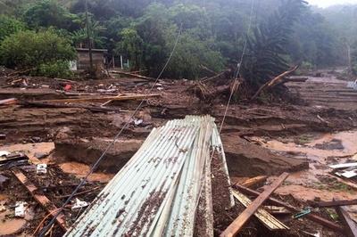 ニューカレドニアで豪雨による地滑り、死者・行方不明者8人