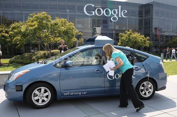 米グーグルの自律走行車、カリフォルニアでも公道走行が可能に