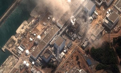「福島第1原発から半径30キロ以内は屋内退避を」、 菅首相