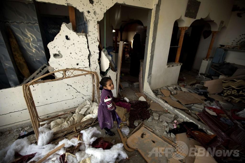 クリスマスイブの爆撃で死亡、3歳女児を埋葬 パレスチナ・ガザ地区