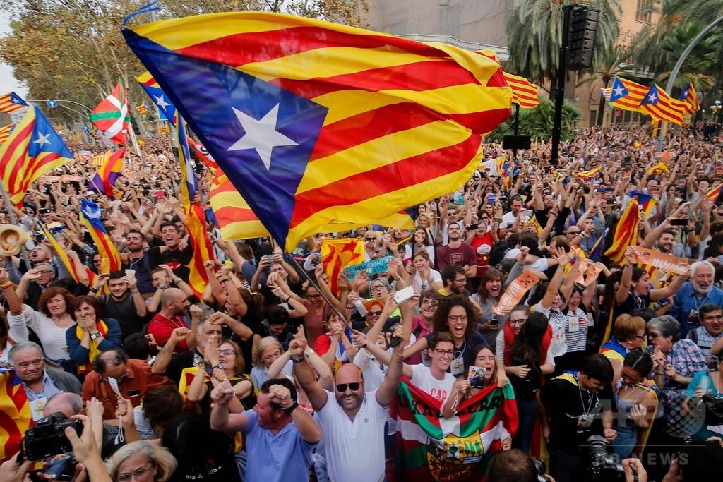カタルーニャ州議会が独立宣言 スペイン政府、阻止の構え