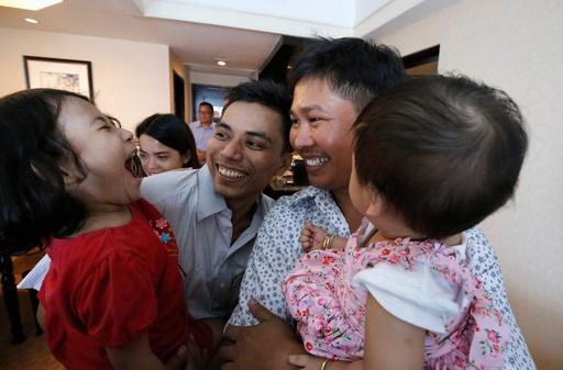 ミャンマー、ロイター記者2人を釈放 大統領恩赦で一転