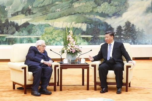 中国の「古い友人」キッシンジャー氏、北京で米中の対話呼びかけ