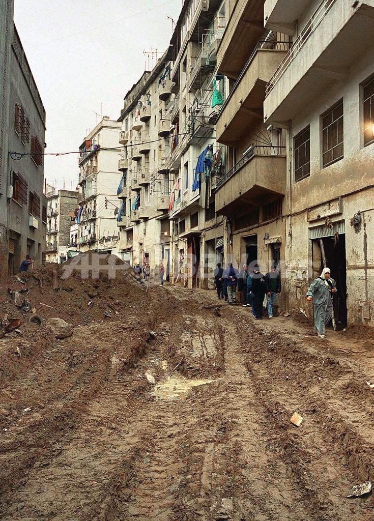 鉄砲水発生、6人死亡 - アルジェリア