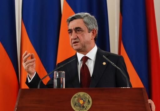 アルメニア首相が辞任表明 「間違い犯した」
