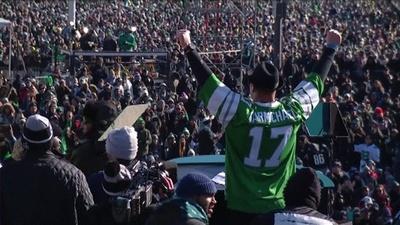 動画:スーパーボウル初制覇のイーグルスがパレード、沿道で数十万のファンが歓喜