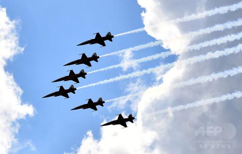 スイス空軍が「脱ゆとり防空」、2017年から週末の休日返上