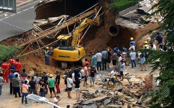 博多の陥没が警鐘を鳴らす都市の脆弱性
