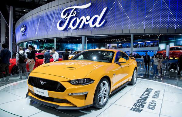 フォード、来年運転解禁のサウジの女性活動家に「夢の車」贈呈へ