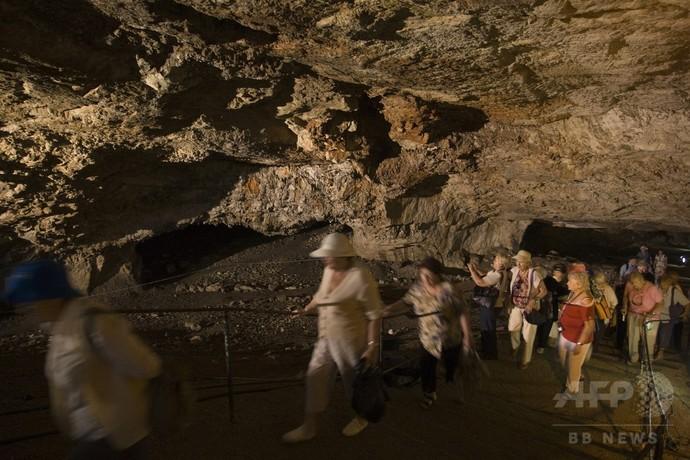 エルサレムの洞窟で夜通し財宝探し?米国人観光客を逮捕