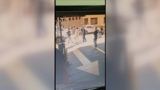 動画:収監中の元上院議員の女、医療機関の窓からひもを伝って逃走 コロンビア