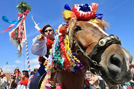 モラビア伝統の騎馬行列「王様騎行」