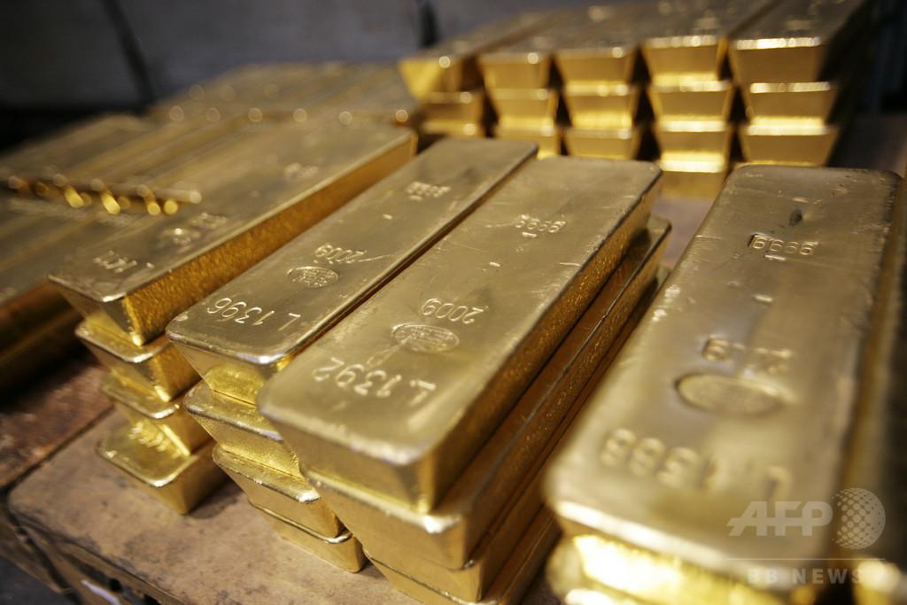 バングラデシュ当局、北朝鮮外交官から金を押収 延べ棒など27キロ