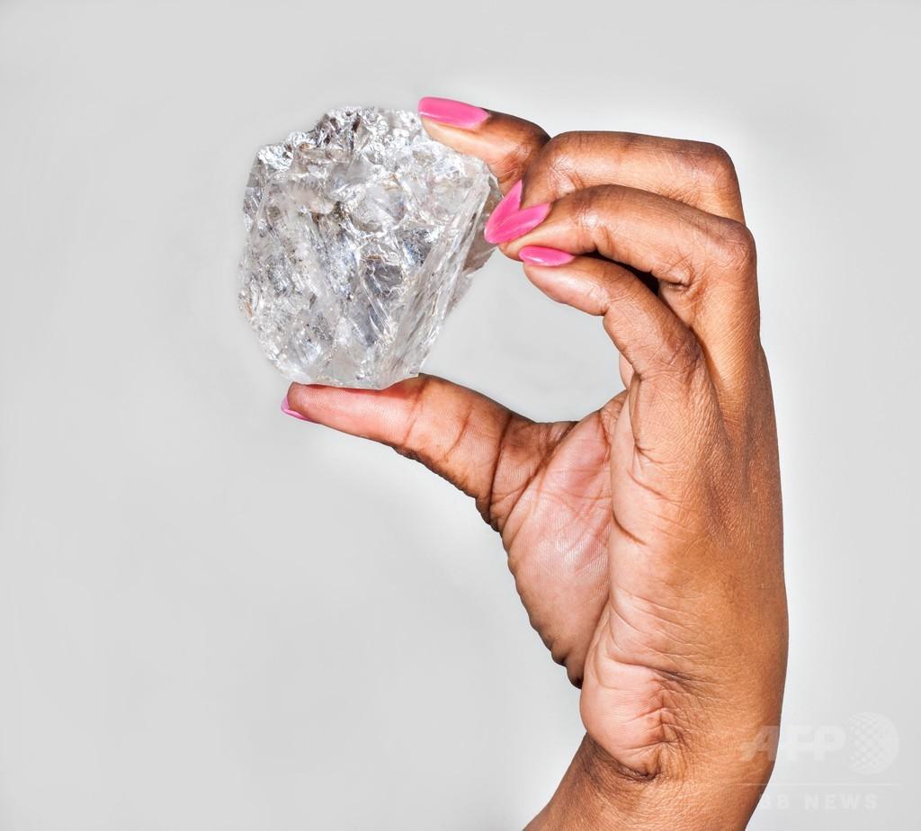 1111カラットのダイヤ発見、史上2番目の大きさ ボツワナ