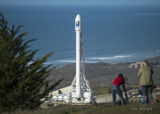 スペースX、衛星打ち上げ成功 ロケット洋上着陸はまた失敗