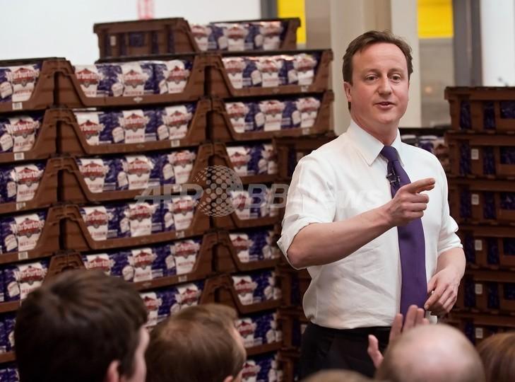 食パンの値段を知らない英首相、「パンは自分で焼く」