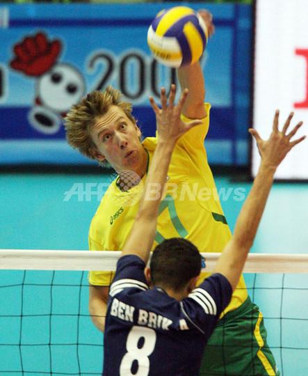 オーストラリア チュニジア降し3勝目を挙げる