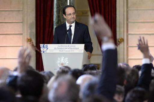 仏大統領、不倫疑惑へのコメント拒否 「私的に対処する」