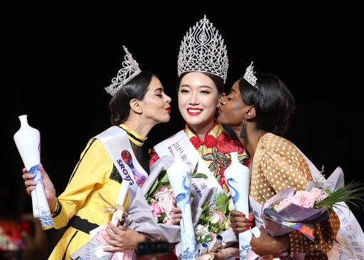 「シルクロード国際観光」ミスコン 中国女性が優勝